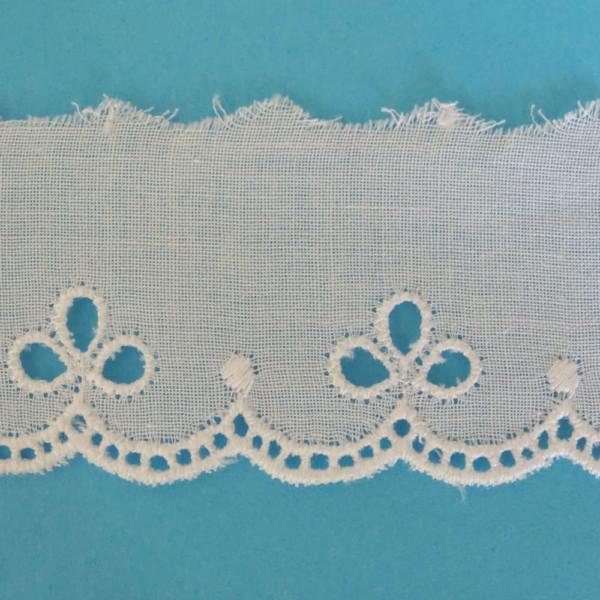 broderie anglaise ruban blanc