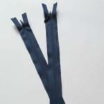 fermeture invisible 22cm bleu