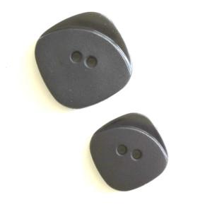 boutons-noir-carré-36bobines-plastique