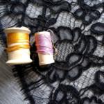 dentelle-fleurs-noire-36-bobines-luxe