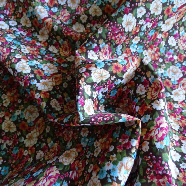 popeline-coton-anais-fleurs-marron-36bobines