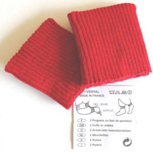 poignets rouge bord cote